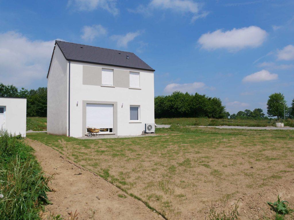 La maison dispose d'assez de place pour accueillir une extension en bois